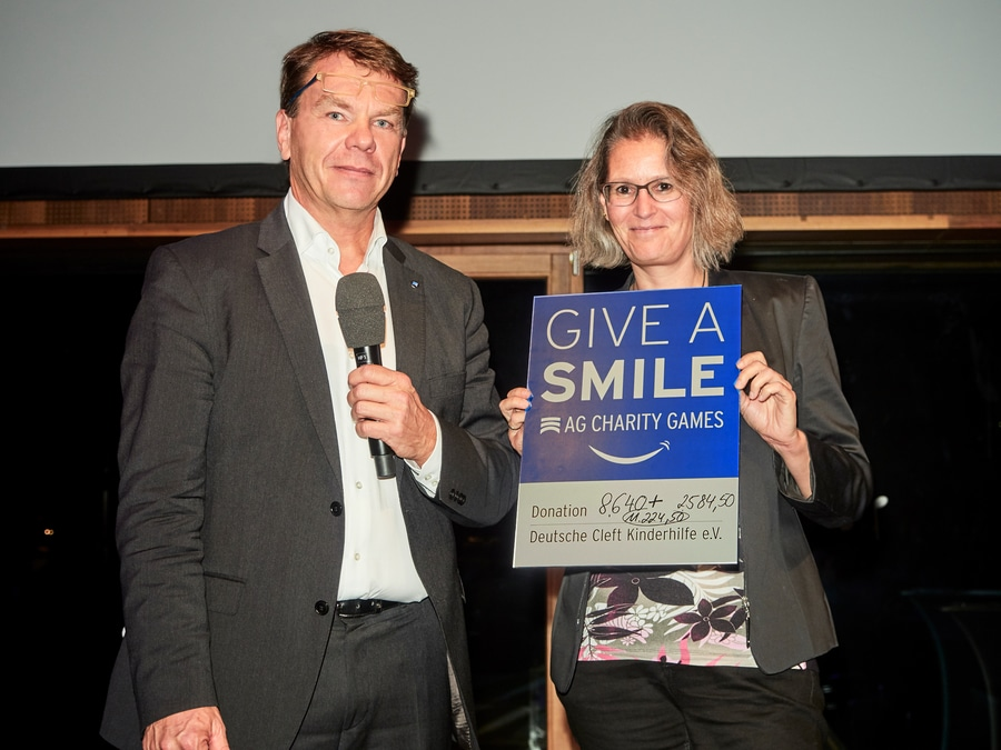 Give a smile Amann Girrbach - deutsche cleft kinderhilfe